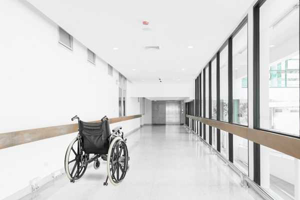 wheelchair=hallway